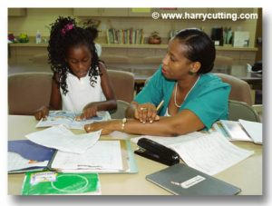 black-woman-tutors-girl-ic5023-564